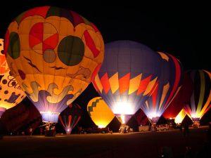 800px-Hot_air_balloon_glow